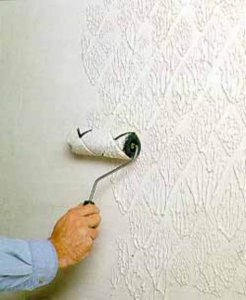 Особенности устройства зеркального потолка при ремонте квартиры